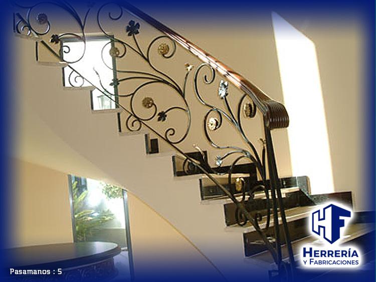 Barandales modernos para escaleras esta escalera goza de - Pasamanos de madera modernos ...